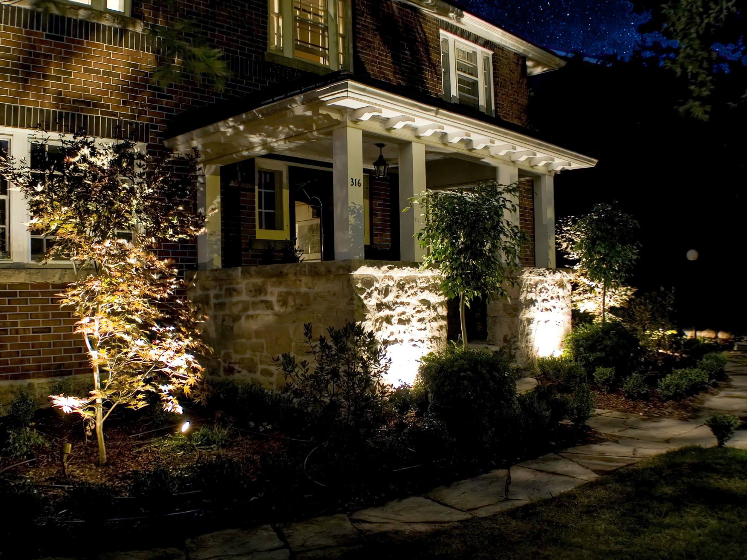 House front outdoor lighting